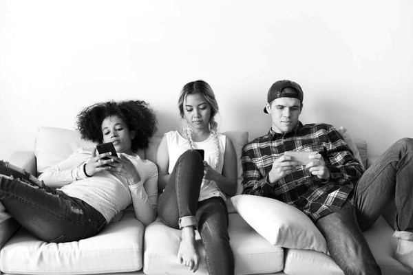 37% Millennials say they're boring to be cybercrime victim: study